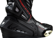 RS3-race-boot-close-up